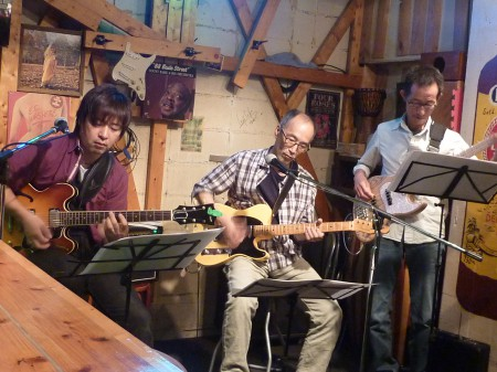 小村 タケヒロ レギュラーライブ!<柴田達司(G.Harp)・倉本順造(B)>